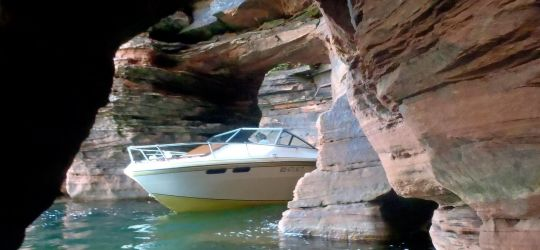 Affordable Cruises Through the Apostle Islands